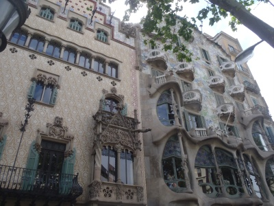 and   Thus ends the tour...     except for the house on the left of Casa Battlo ....