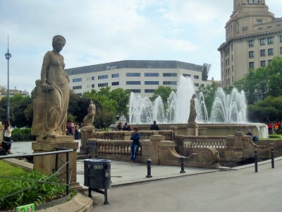 and doesn't every day in a fine European city include a statue or fountain ...