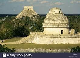 Observatorio Maya El Caracol y la Gran Pirámide El Castillo más allá de  Chichen Itza, Sitio del Patrimonio Mundial de la UNESCO Yucatan México